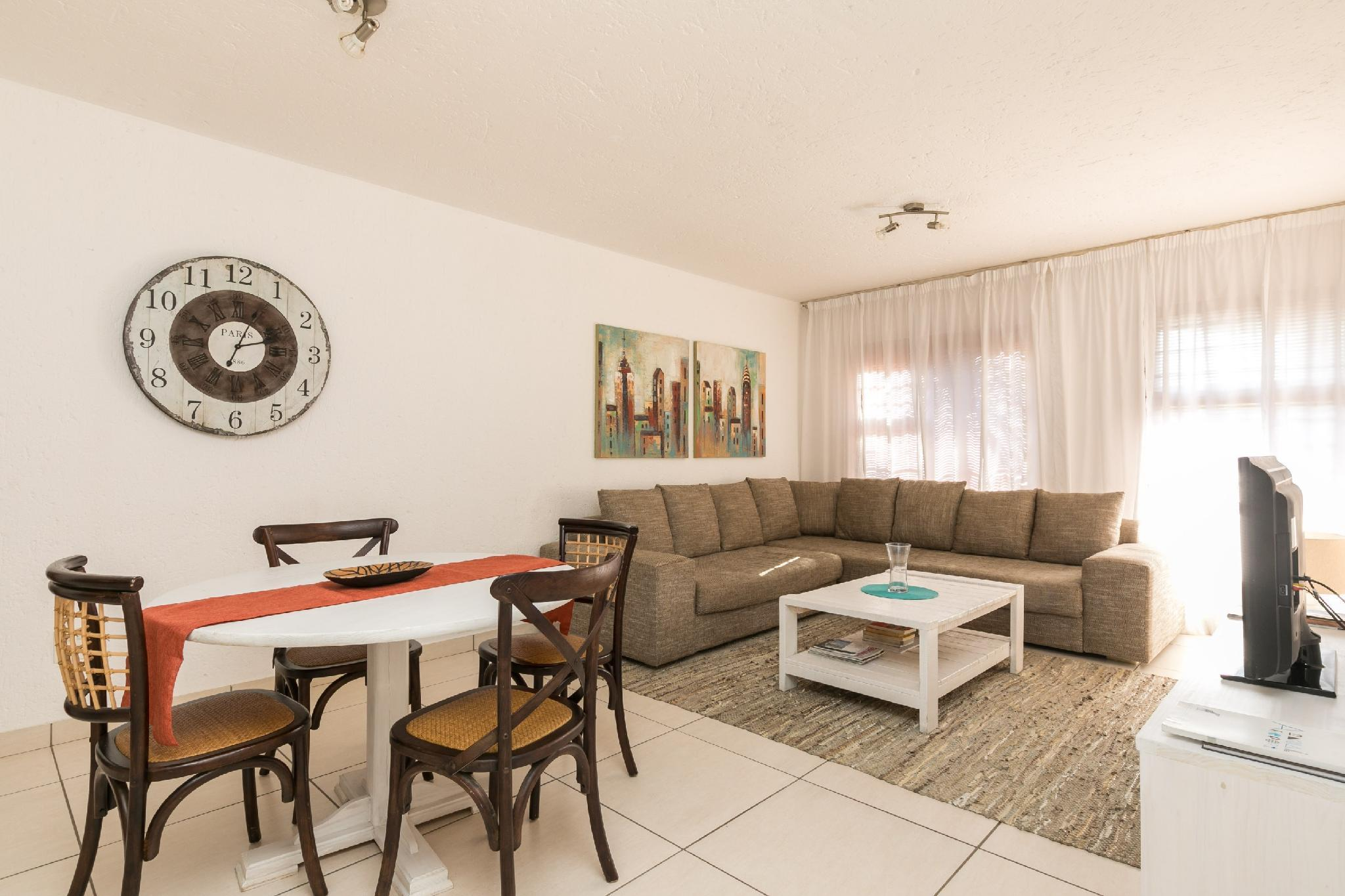 Homely 3 Bedroom Apartment For Sandton Stay