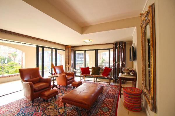 Urban Inner City Apartment Suite in Plush Hotel Cape Town