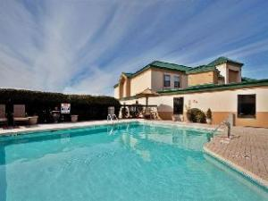 Country Inn & Suites By Carlson, Fayetteville-Fort Bragg, NC