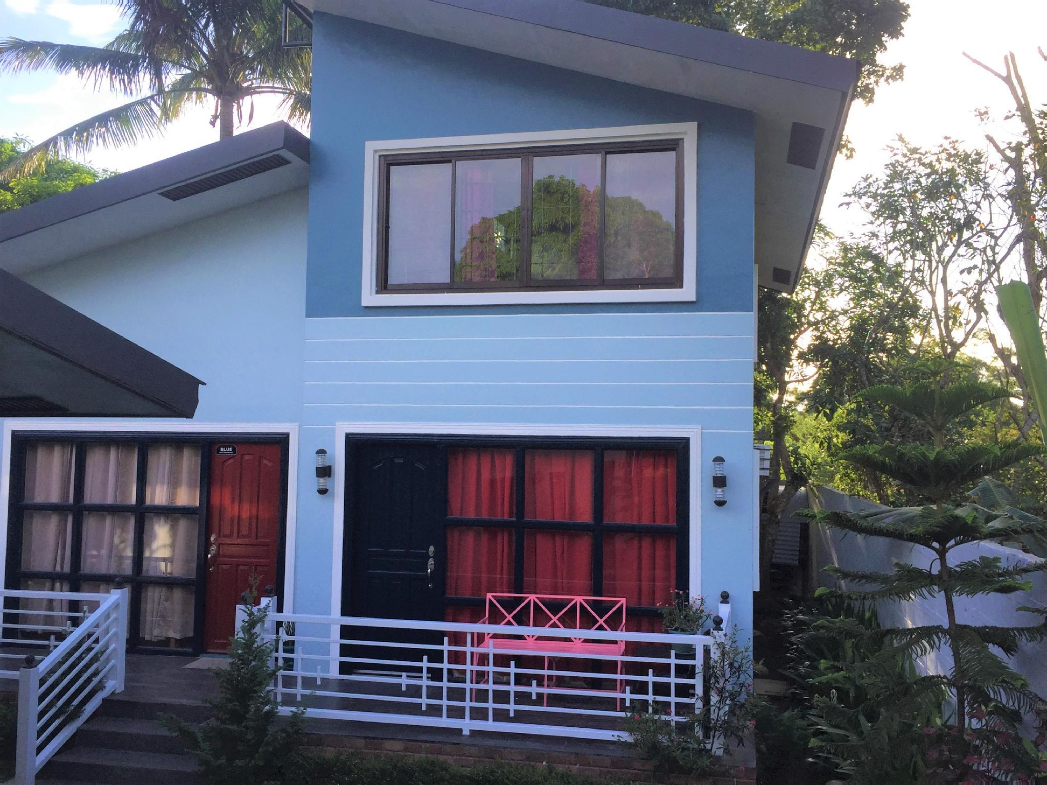 Blue's House in Tagaytay City by  BR (15pax)