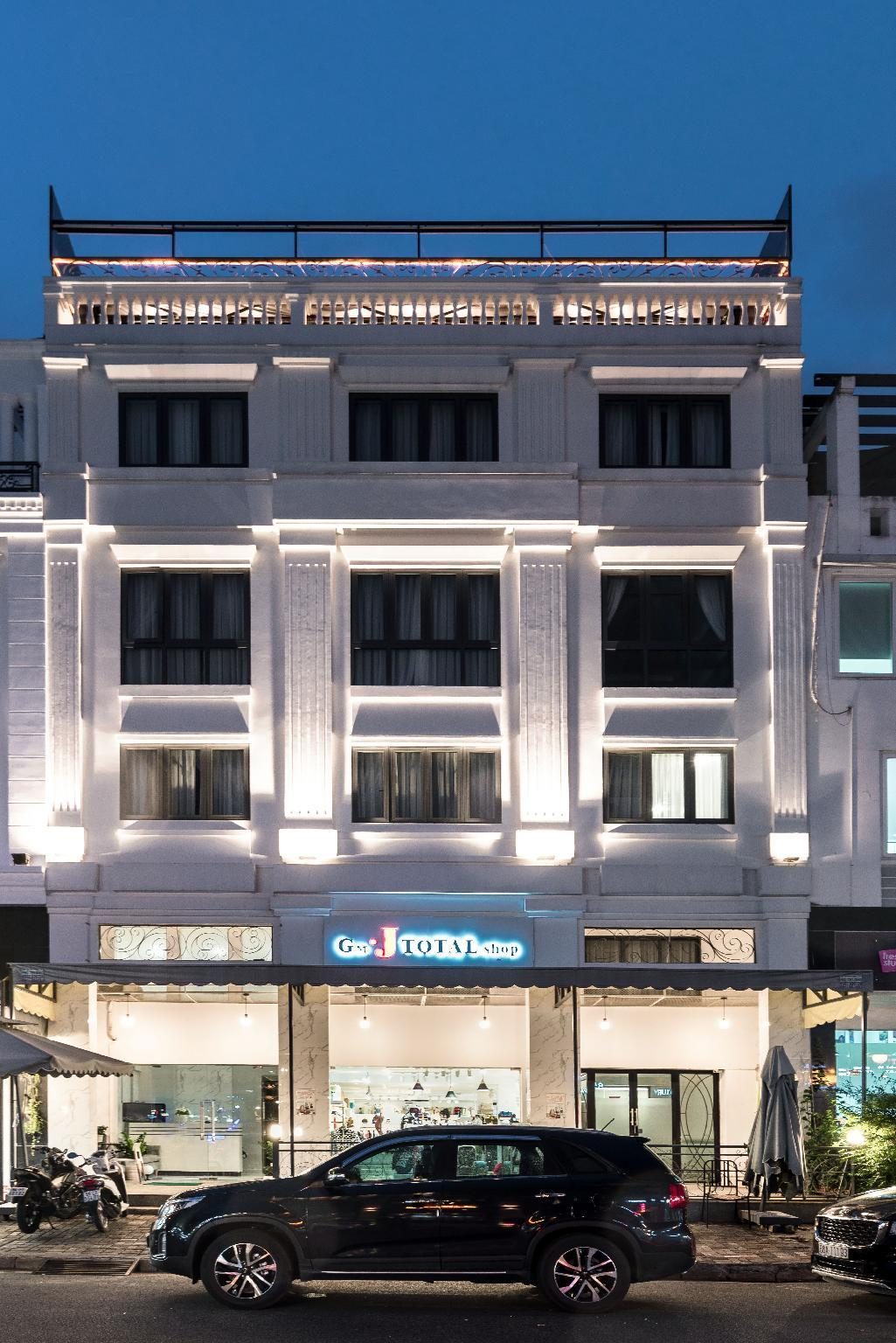 AHA New Milano Hotel