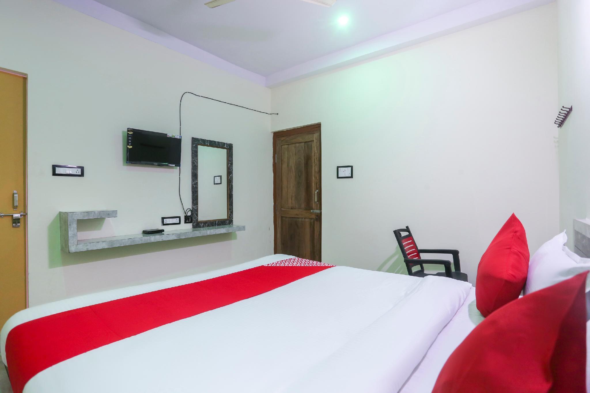 SPOT ON 60872 Maa Barabhuja Guest House
