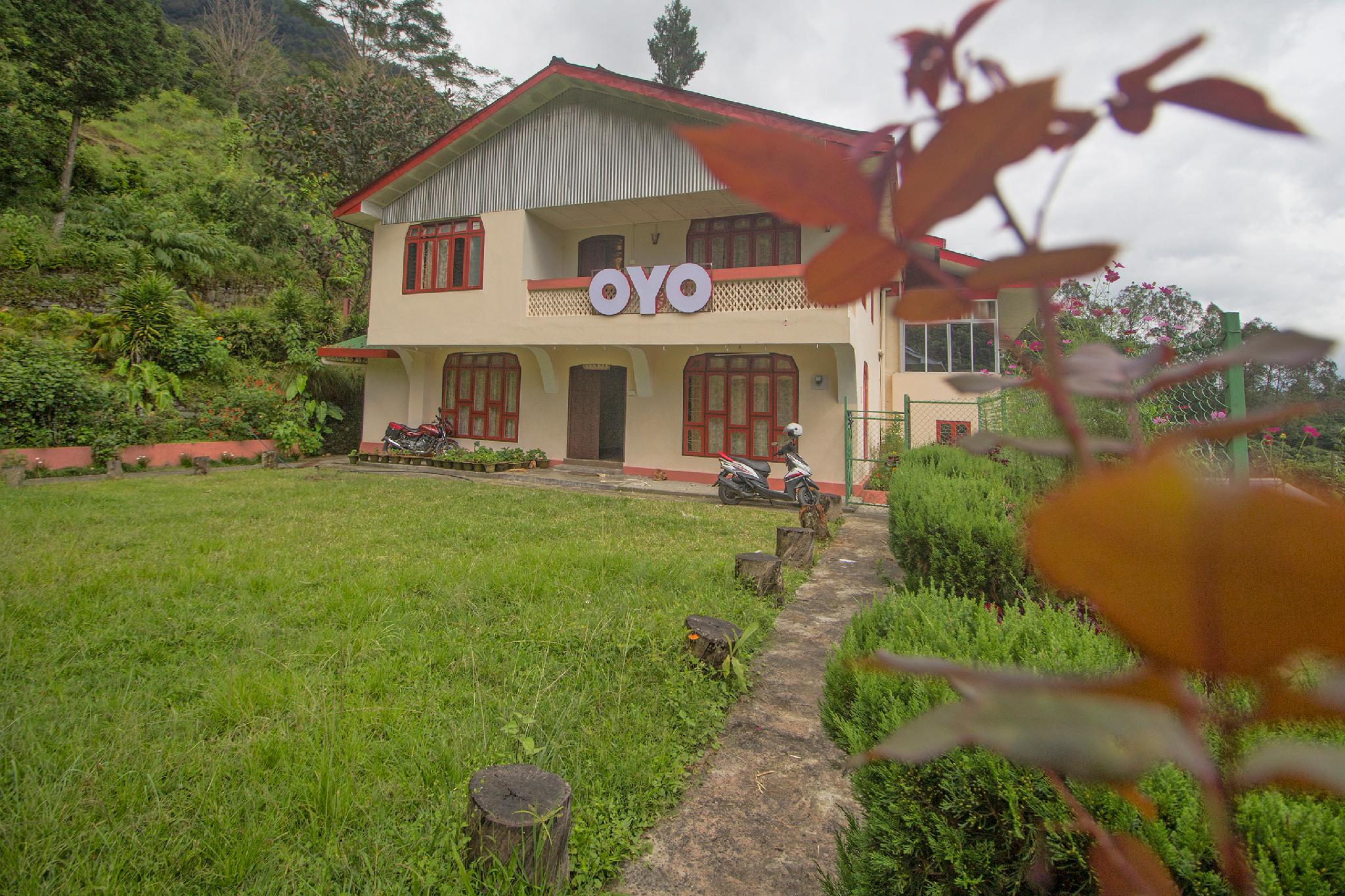 OYO 63249 Hill Grand Home Stay
