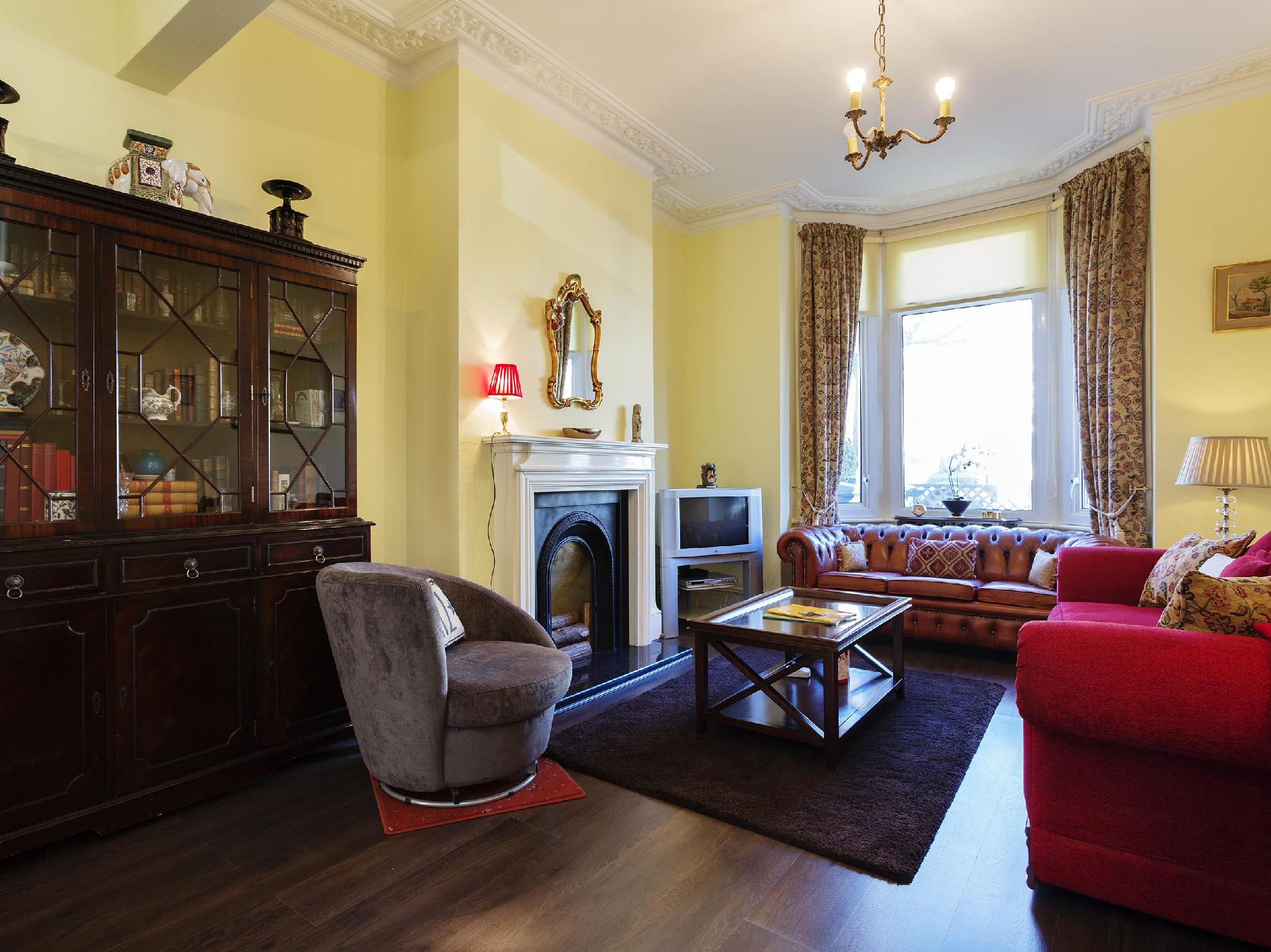 Veeve  3 Bed Family Home On Torbay Road Queens Park