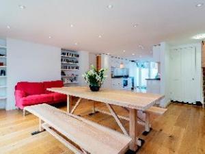 Veeve  Immaculate 3 Bedroom House Tavistock Terrace Islington