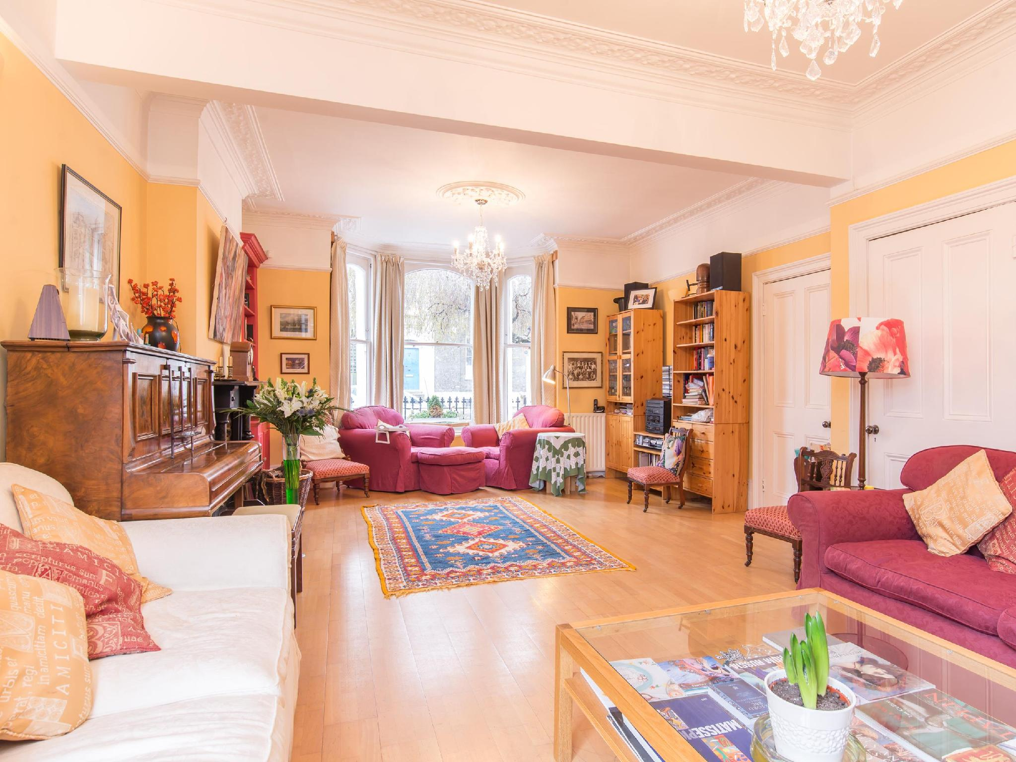 Veeve  4 Bed House On Stockwell Park Road Stockwell