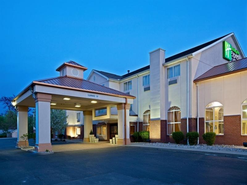 Holiday Inn Express Hotel And Suites Cincinnati North Sharonville
