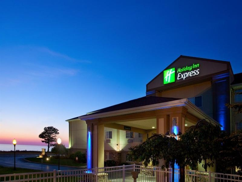 Holiday Inn Express Hotel And Suites Saint Joseph
