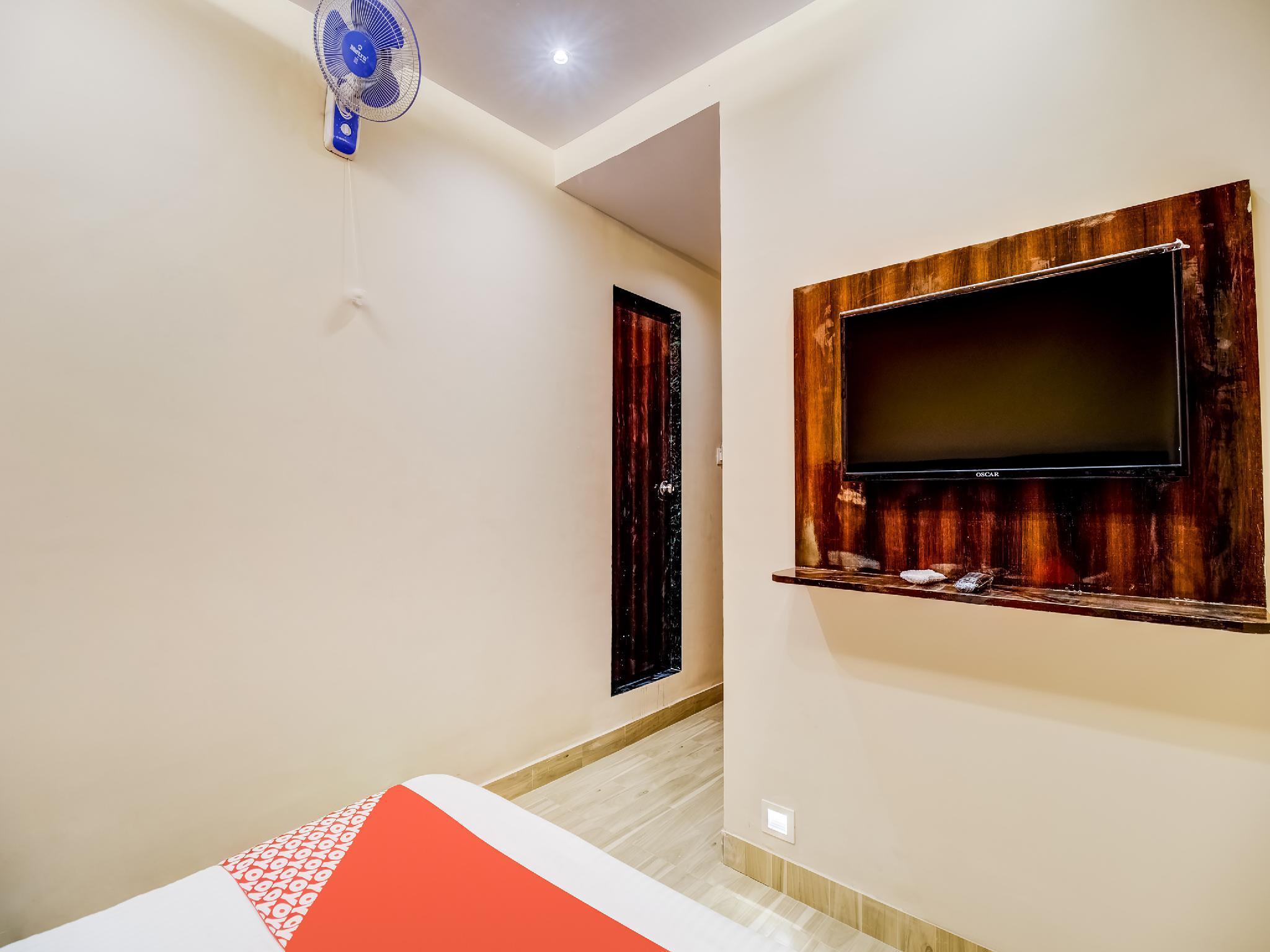 OYO 43828 Hotel Zara Inn