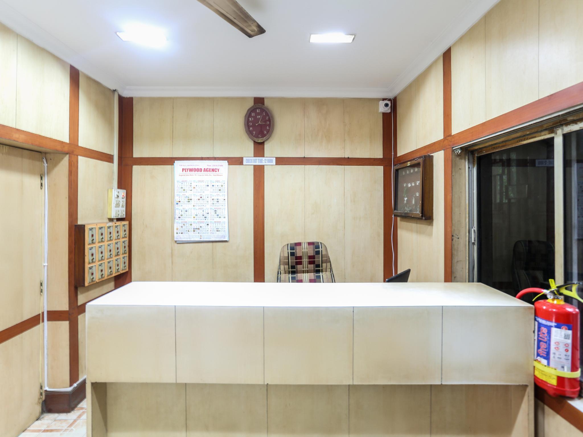 SPOT ON 60840 Samrat Lodge