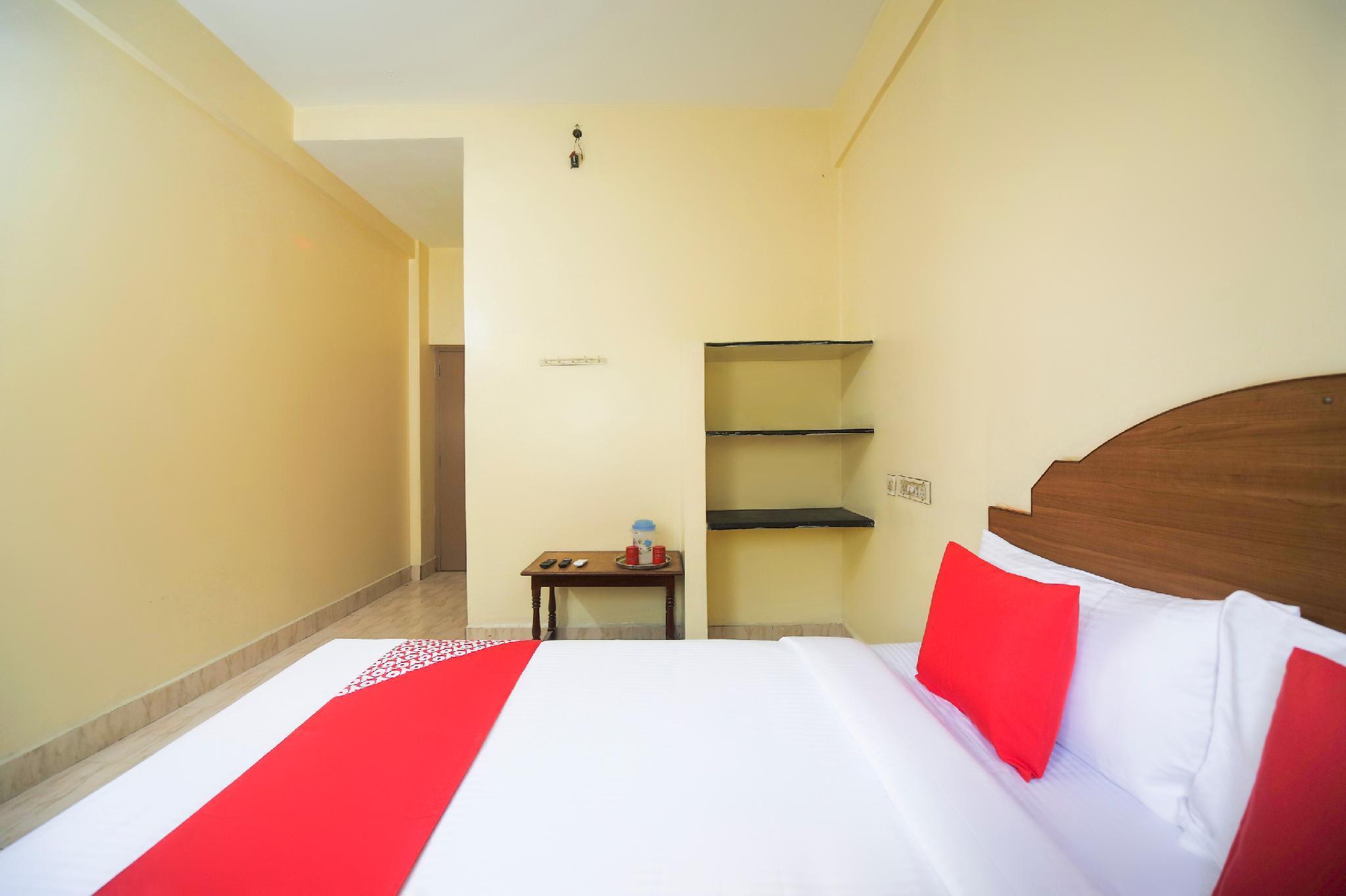 OYO 60407 Ramachandra Residency