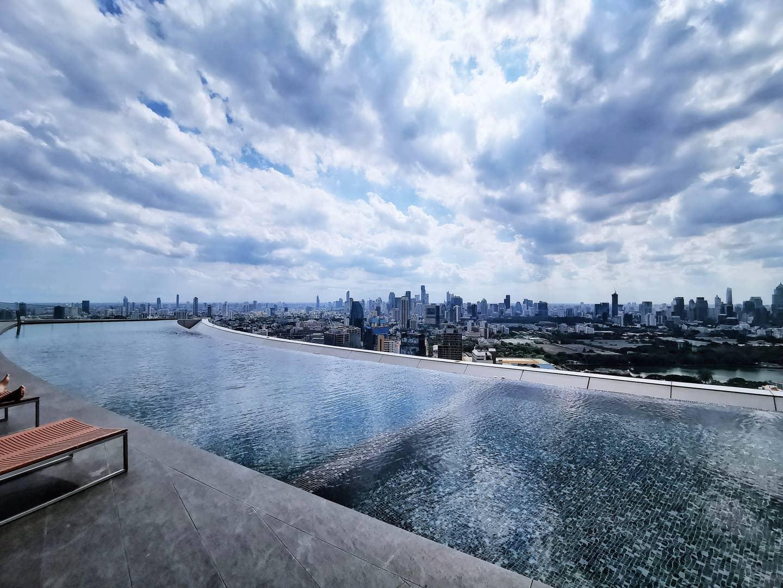 Net Red Sky Infinity Pool Sukhumvit Poncho Japan