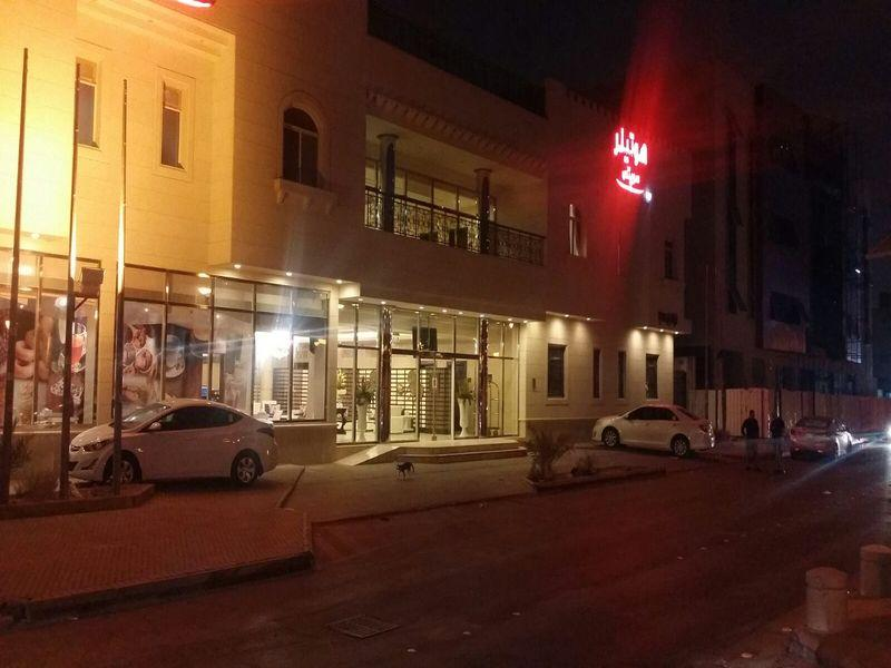 Hotelier Suites Dhabab