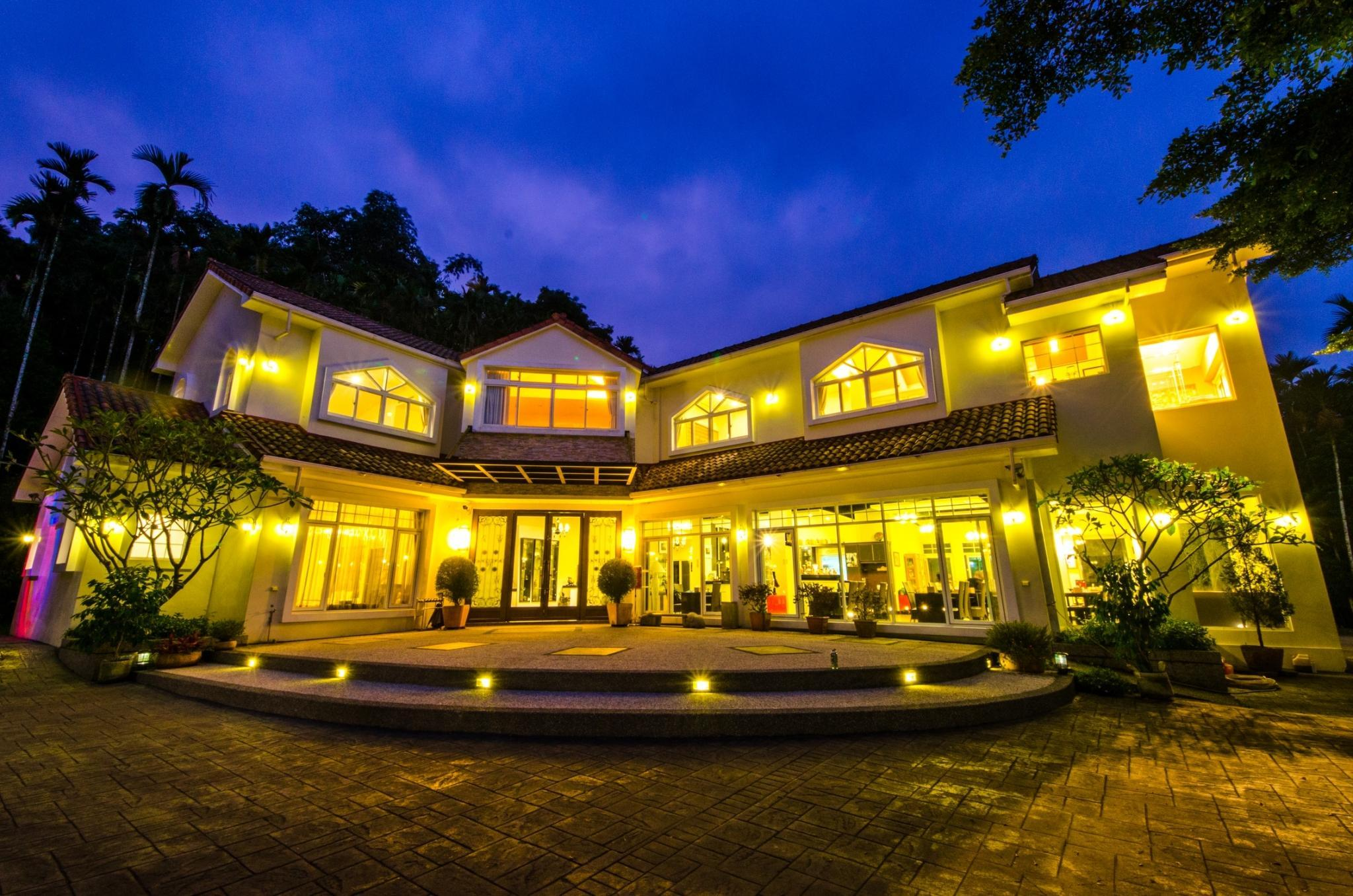 Butchard Villas