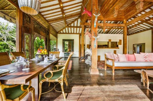 Imagine Your Family Renting a Luxury Holiday Villa Close to Canggu's Main Attractions, Villa Bali