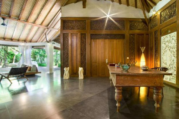 The Ultimate 5 Star Holiday Villa in Seminyak with Private Pool and Fully Staffed, Villa Bali 2065