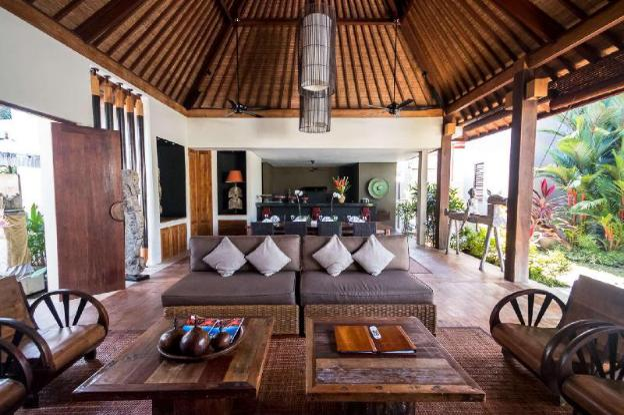 Luxury 12 Bedroom Holiday Villa in Seminyak with Private Pool, Villa Bali 2081