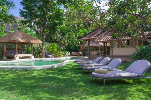 Picture Relaxing Beside Your Private Pool in Seminyak While the Staff Serve You Ice Cold Drinks,