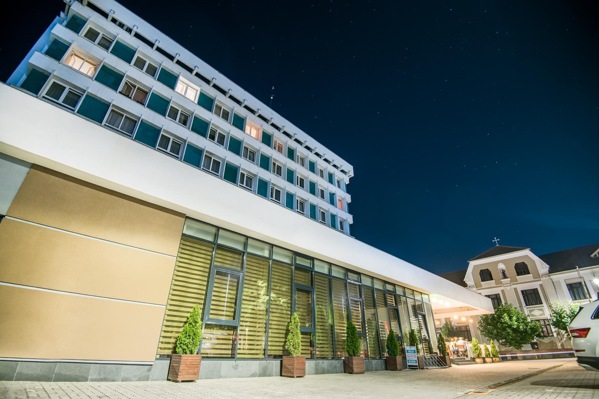 Hotel K�k�llo   T�rnava