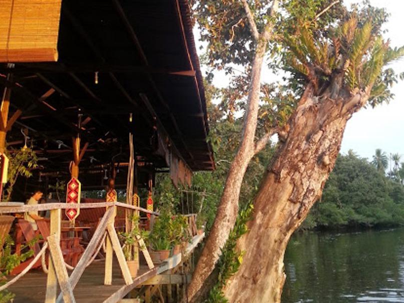 Monkey Tops River Lodge