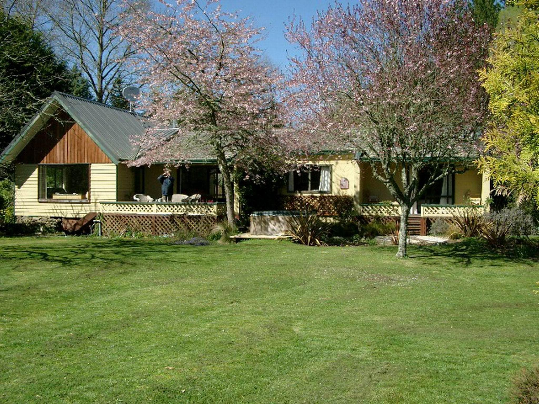 Aultmore Hollow Bed And Breakfast