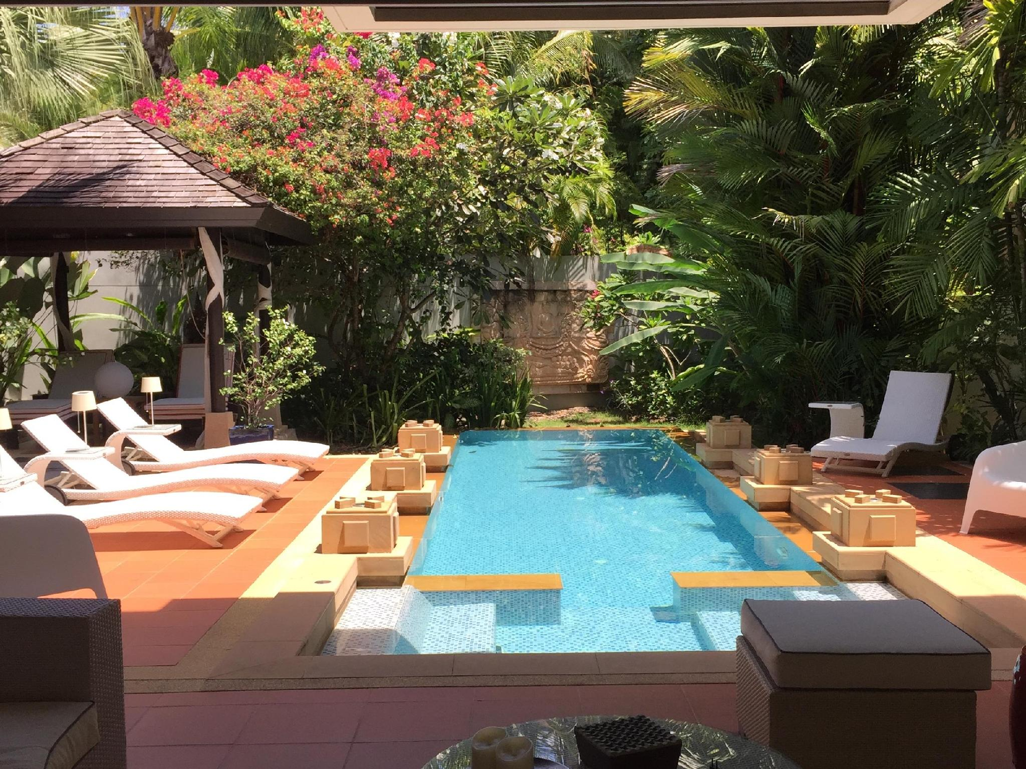 Villa Chom Tawan Layan Beach