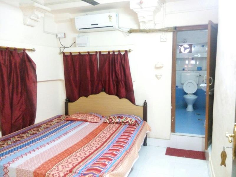 Hotel Shri Giriraj Palace