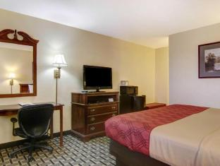 Фото отеля Econo Lodge Inn and Suites