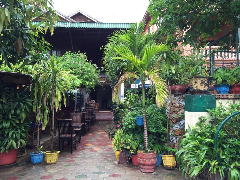 Happy Guesthouse