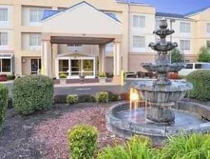Tentang Fairfield Inn & Suites Clarksville (Fairfield Inn & Suites Clarksville)