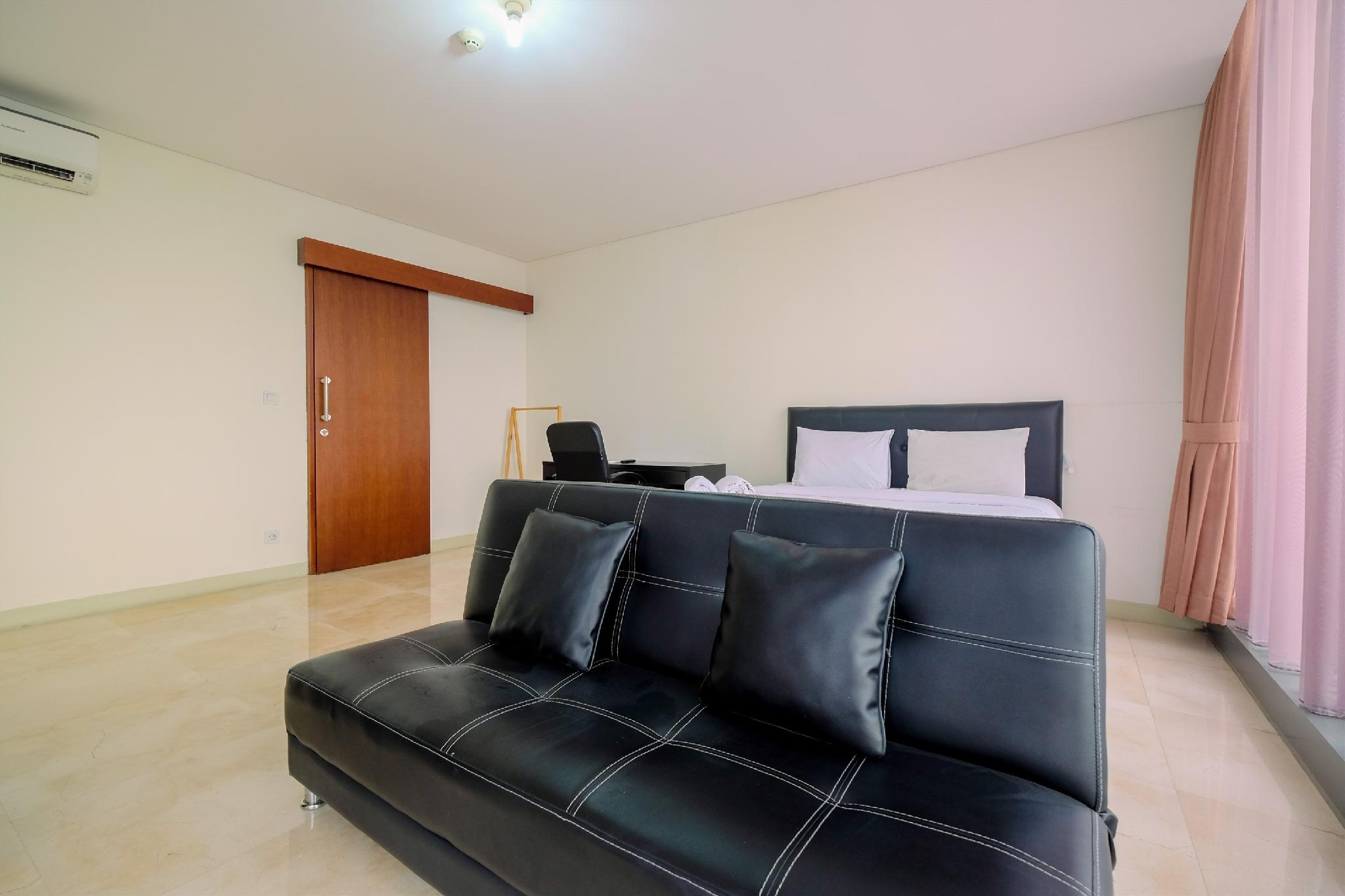 Relaxing 1BR Apt At L'Avenue Pancoran By Travelio
