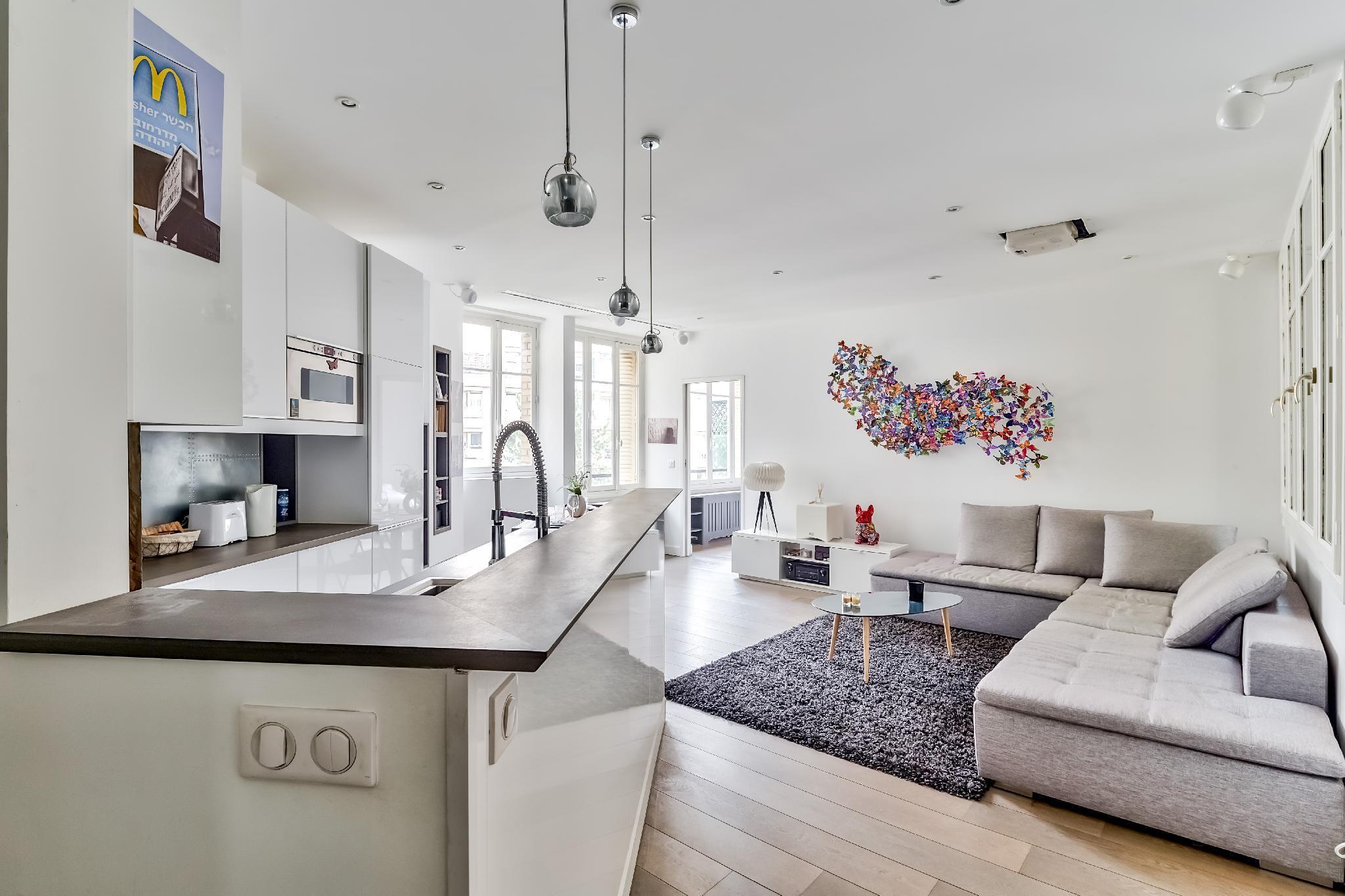 Modern & Bright Flat in Le Marais - An Ecoloflat