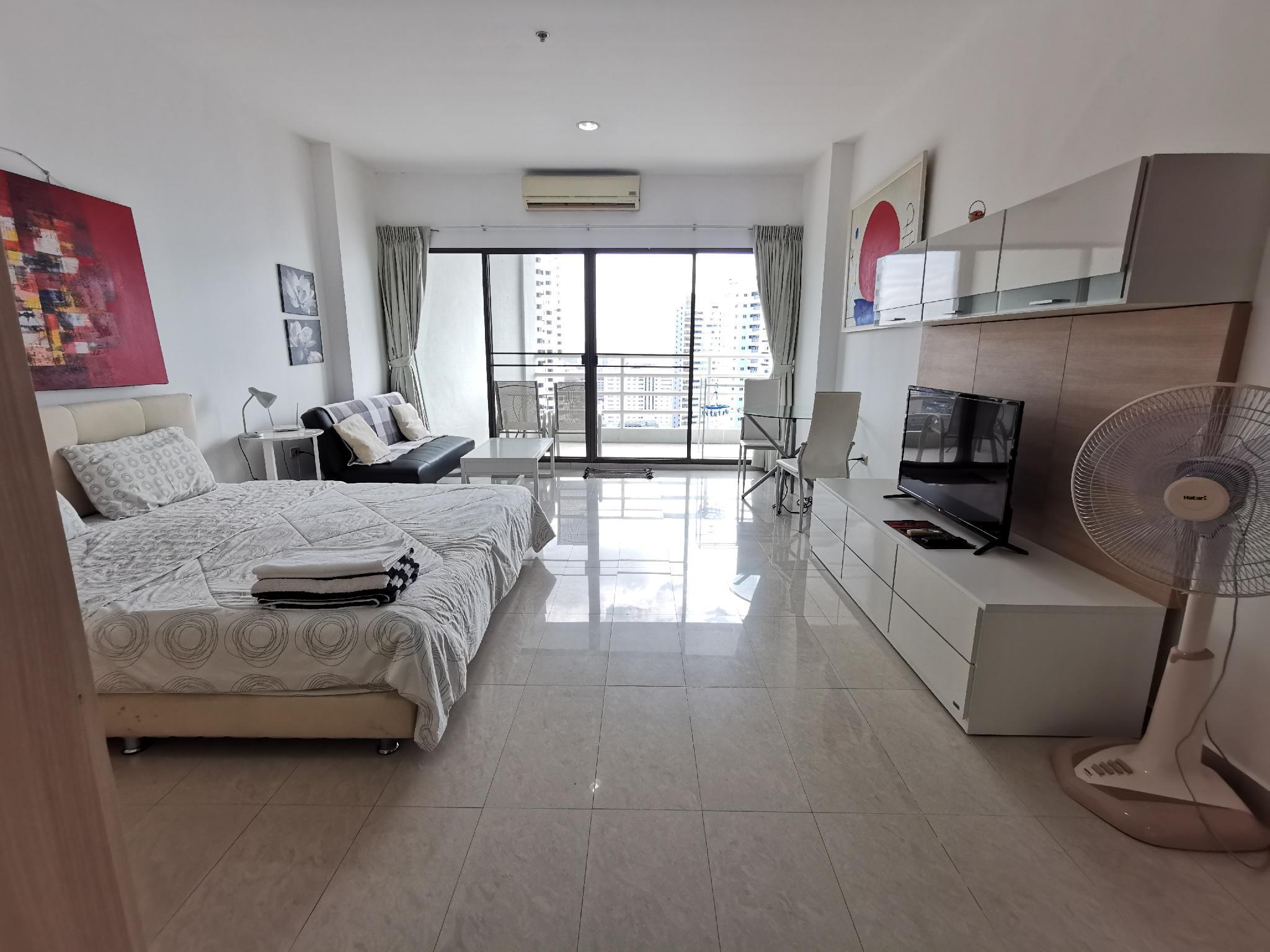 Pattaya Sea View Apartment Close To The Beach