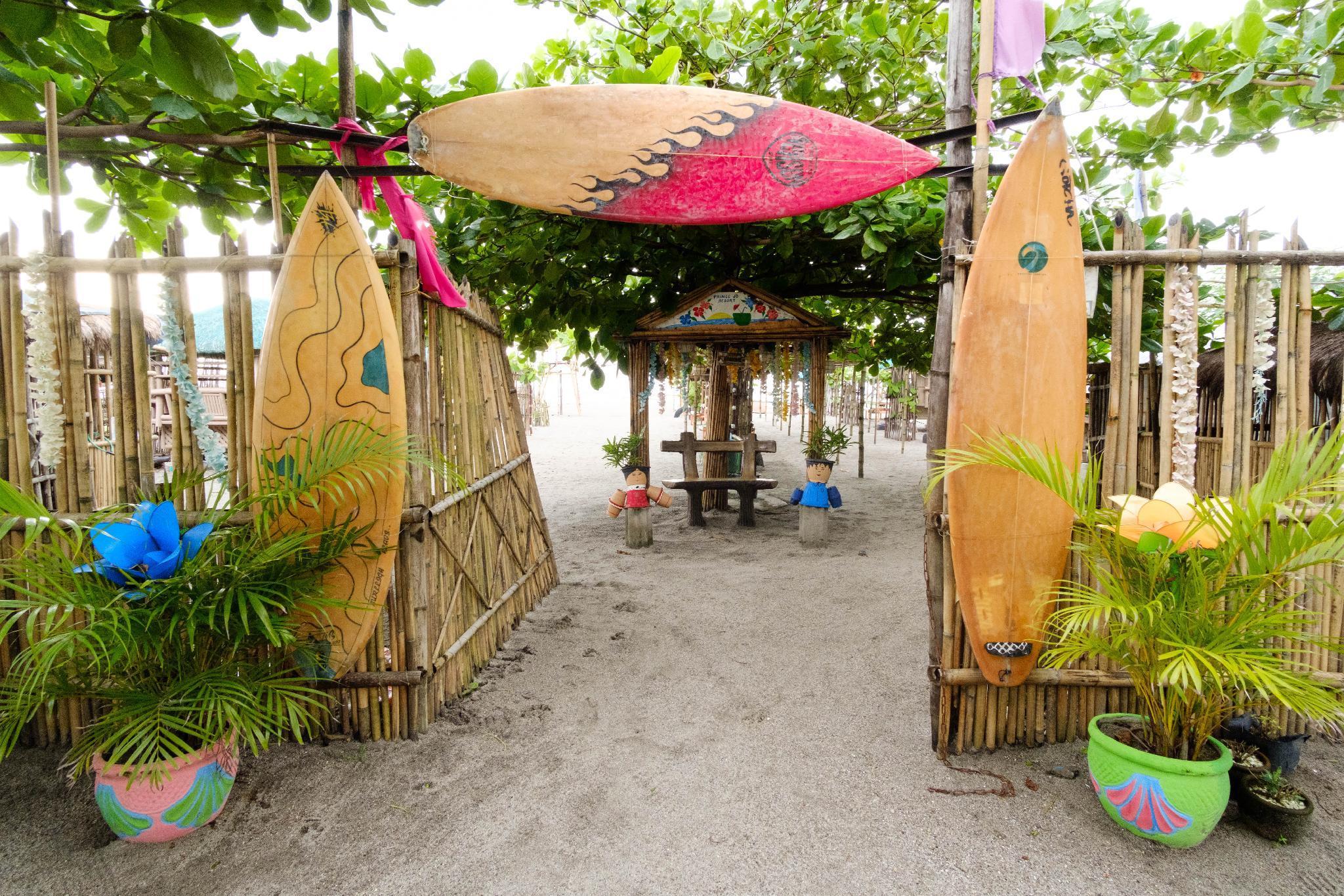 RedDoorz @ Prince JB Beach Resort Zambales
