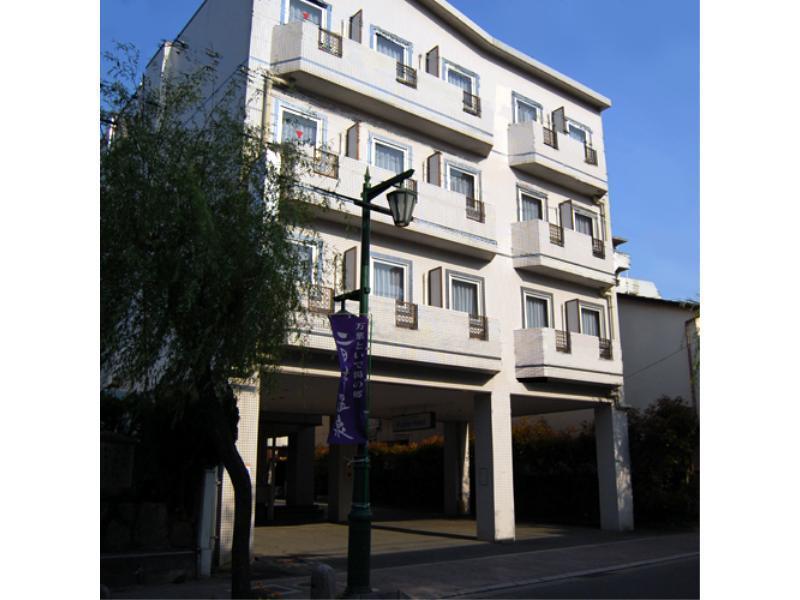 Purple Hotel Futsukaichi