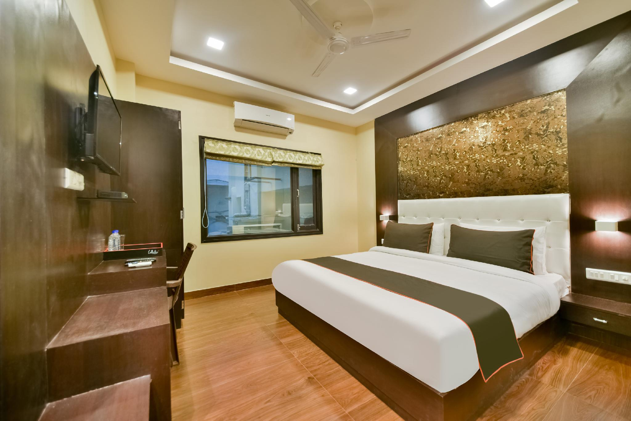 Collection O 50220 Hotel Grand Bhagwat Shastri Circle