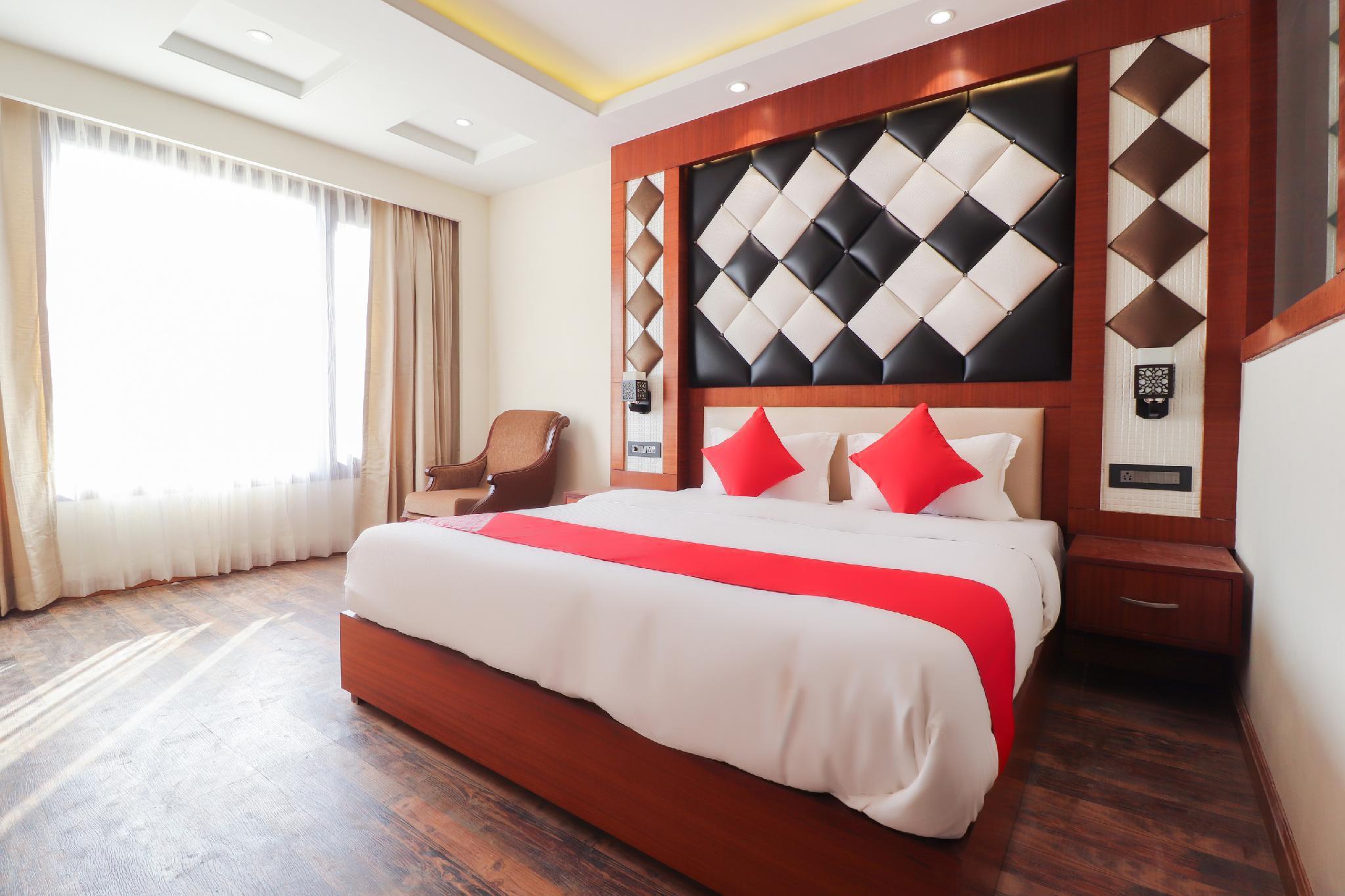 OYO 63675 Hotel Grand Palace