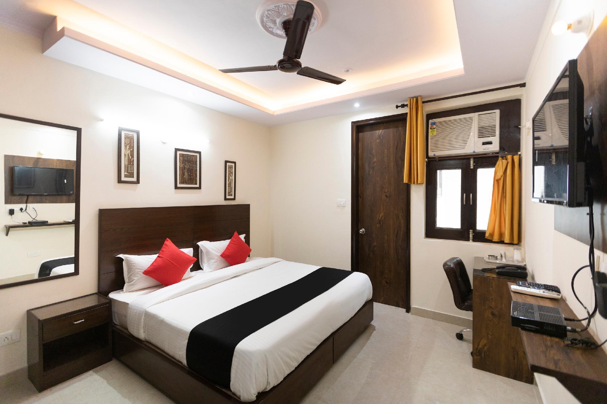 Capital O 64035 Premium Inn