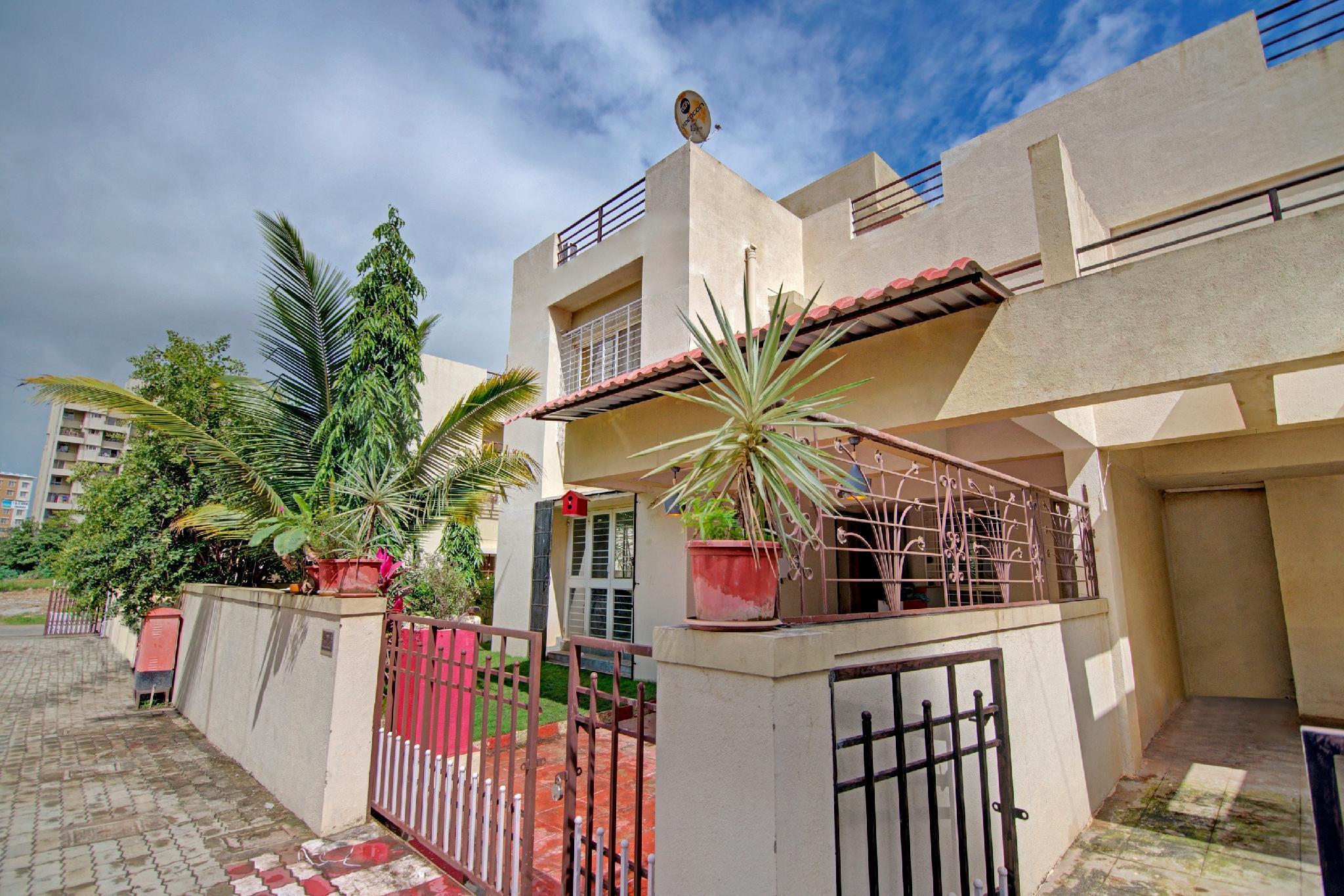 OYO 60378 Elegant Villa Dighi