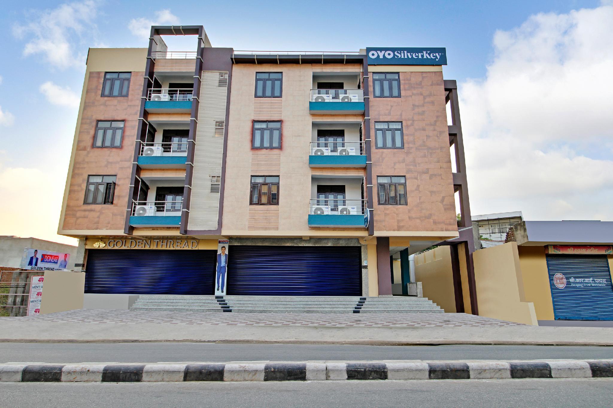 SilverKey Executive Stays 60481 Gayatri Nagar