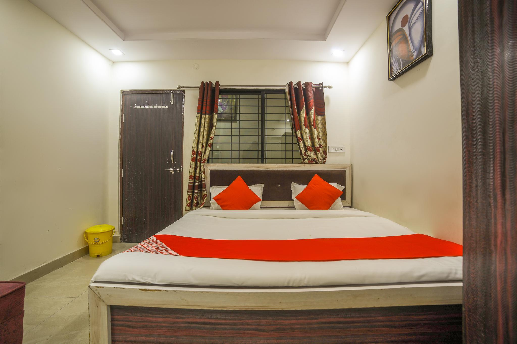 OYO 62572 Upadhyay Guest House