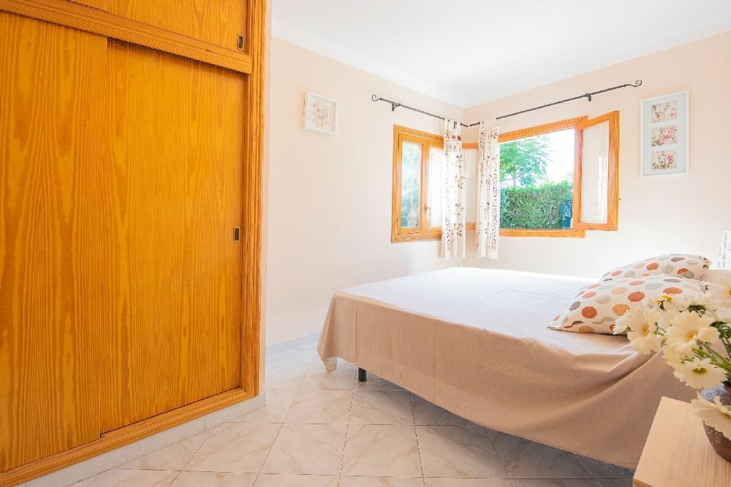 ANFOS  Cosey Villa 200m From Beach