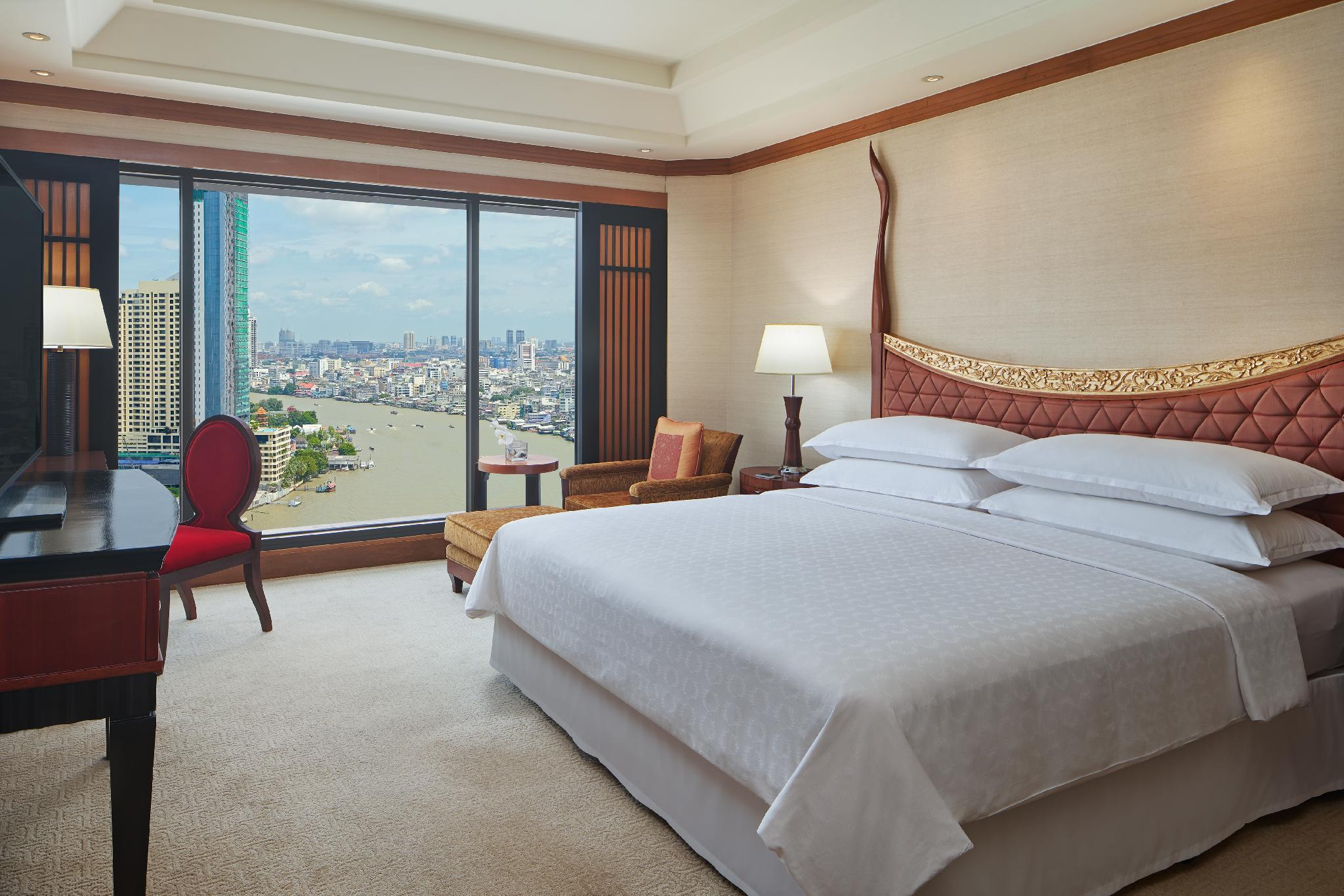Royal Orchid Sheraton Hotel & Towers โรงแรม รอยัล ออคิด เชอราตัน