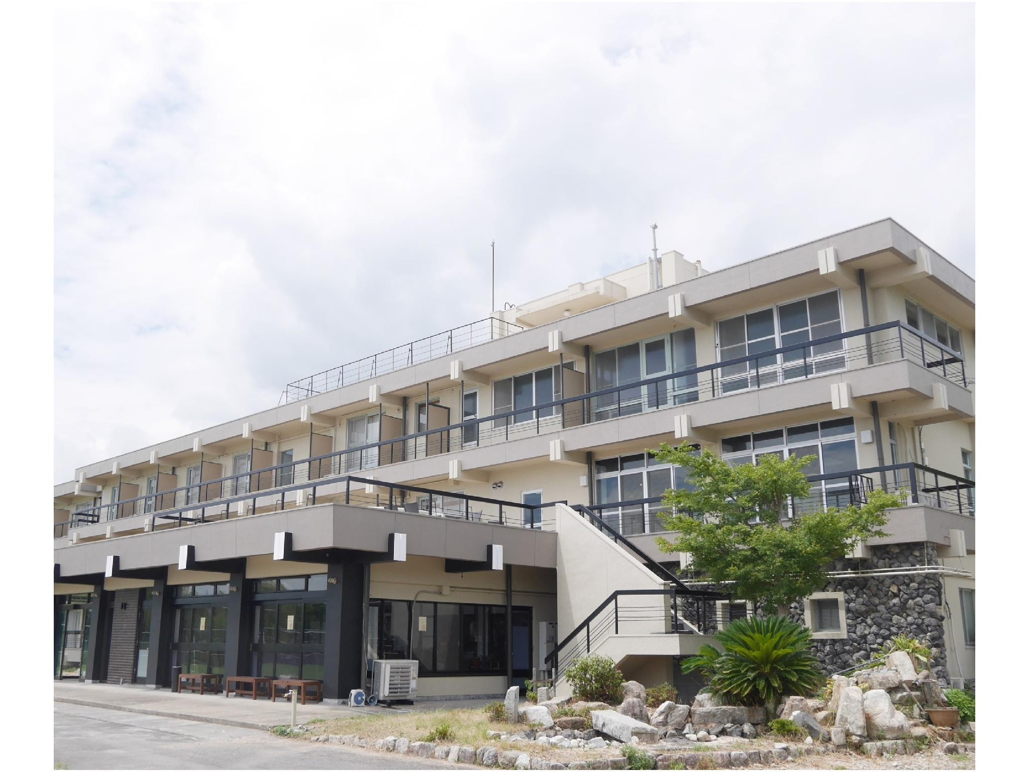 J Hoppers Lake Biwa Guesthouse