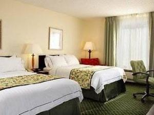 Fairfield Inn and Suites Mt. Laurel