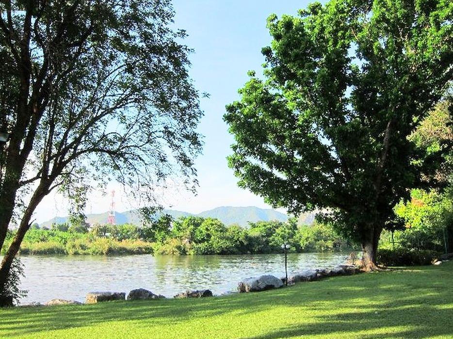 Felix River Kwai Resort เฟลิกซ์ ริเวอร์แคว รีสอร์ต