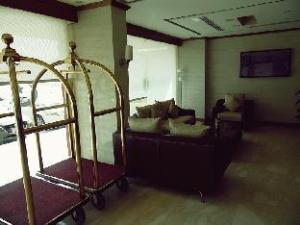Lina Park Hotel Suites