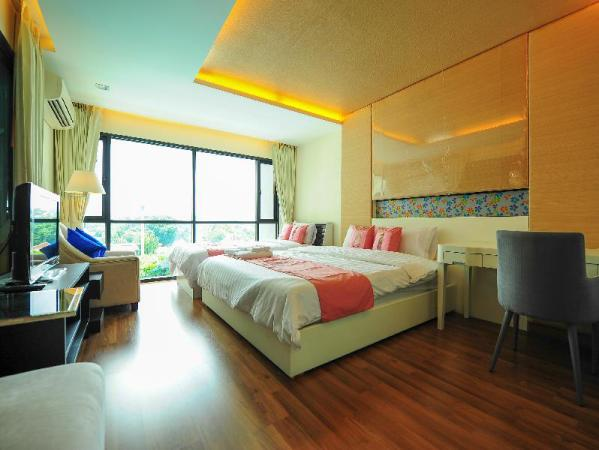 Holiday Home 3 @ The Shine Condo Chiang Mai