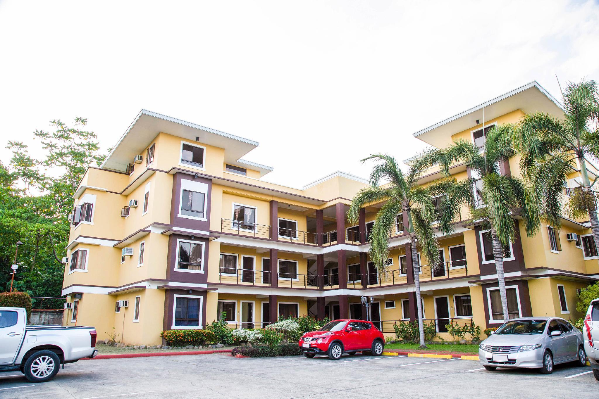 OYO 211 Las Palmeras Apartelle