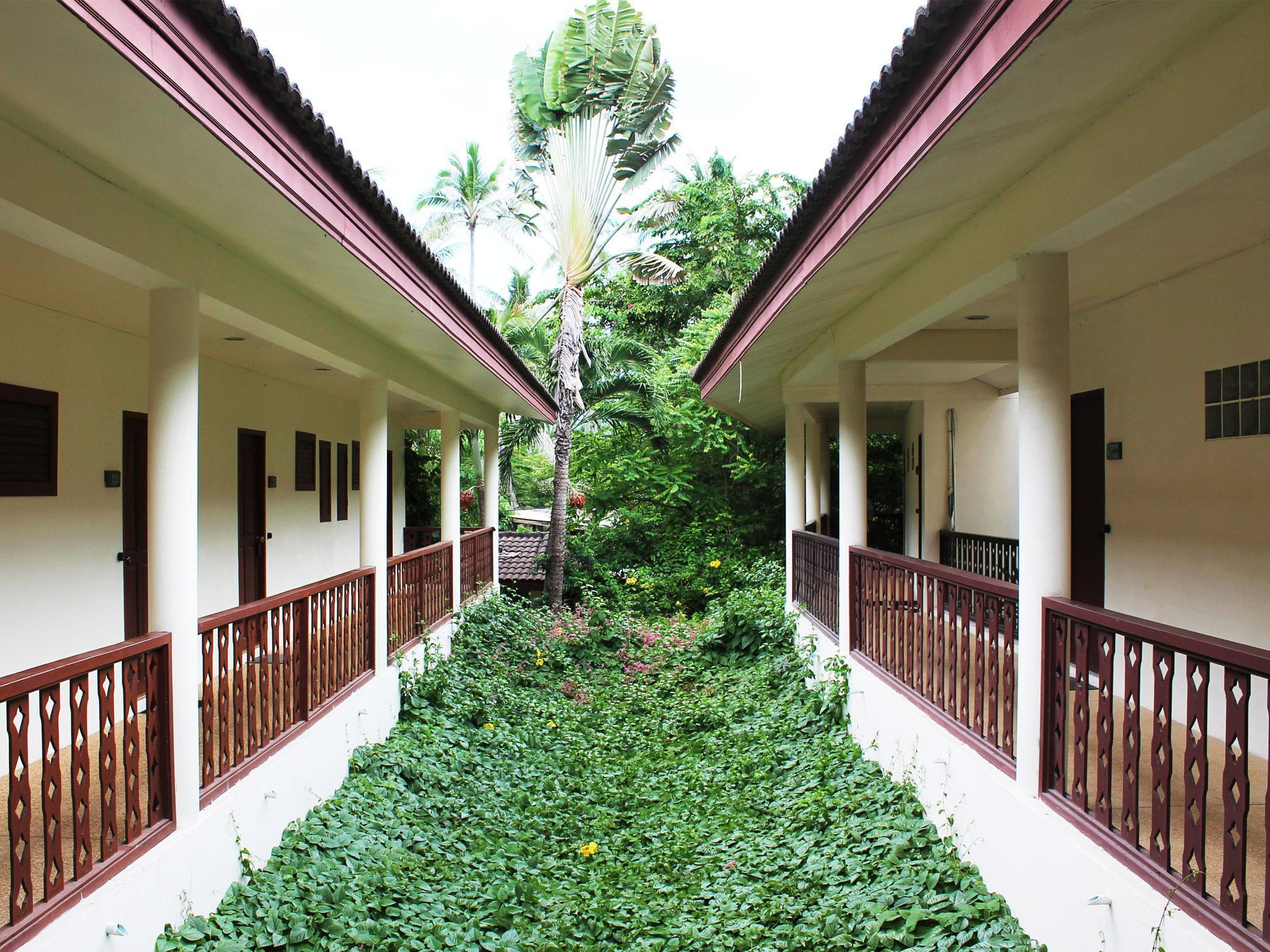 Paradise Beach Resort Samui พาราไดซ์ บีช รีสอร์ต สมุย